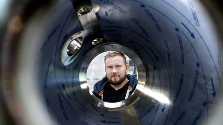 Mens Brian Bloch har været ejer af Vestjysk Rustfri Montage, har virksomheden oplevet stor vækst. Foto: Martin Ravn