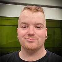 Lars Korsbro, laseroperatør hos Vestjysk Rustfri Montage i Varde